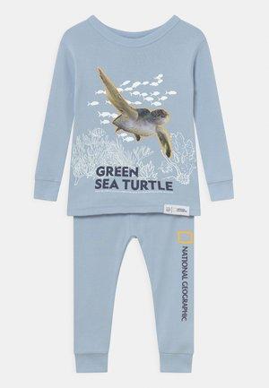 NATIONAL GEOGRAPHIC TODDLER BOY TURTLE UNISEX - Pyjama set - light blue shadow