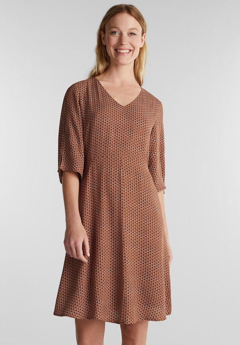 Esprit - LIGHT WOVEN - Denní šaty - rust brown