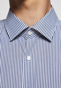 HUGO - KENNO - Formal shirt - dark blue - 6