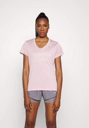 TECH SSV TWIST - Treningsskjorter - pink