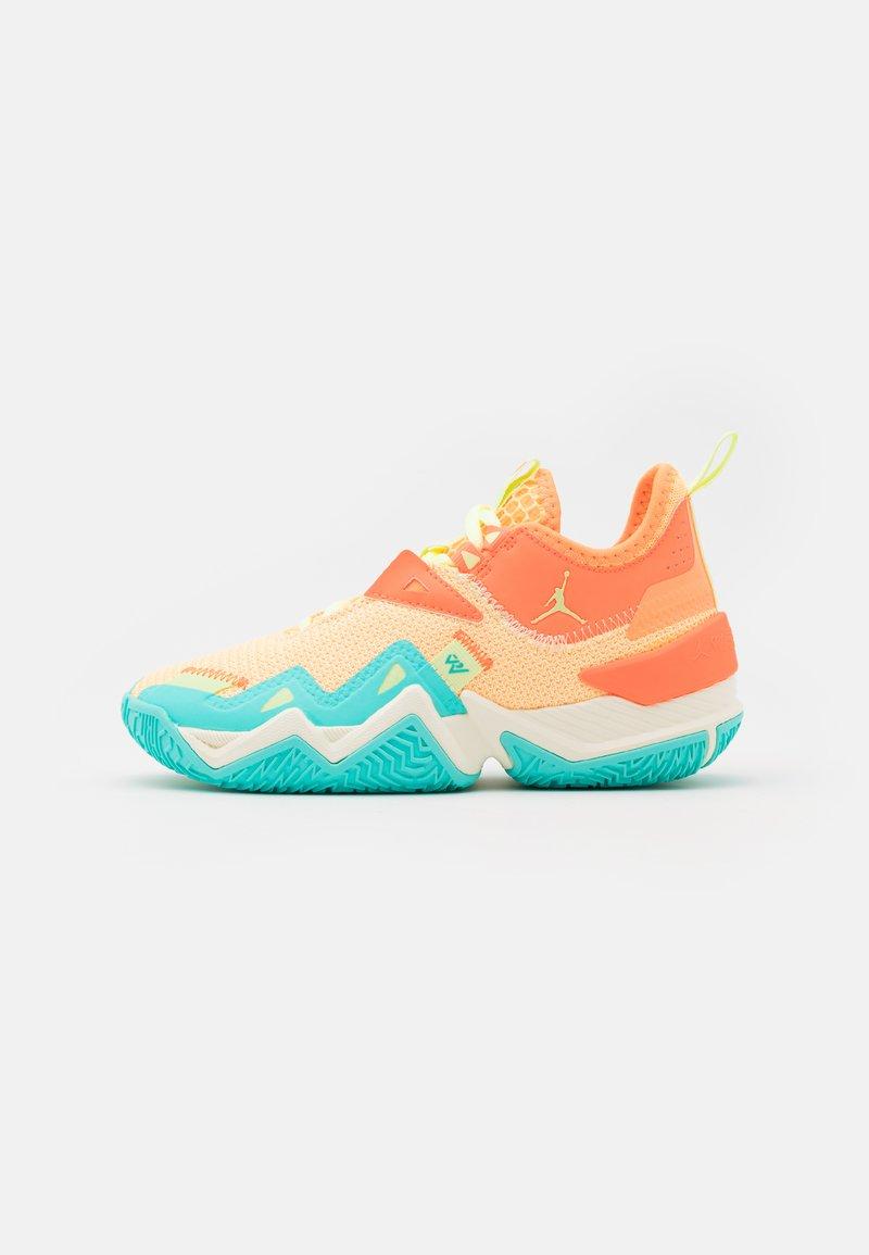 Jordan - WESTBROOK ONE TAKE UNISEX - Basketball shoes - light liquid lime/pink blast/black/amarillo/psychic purple/aurora green