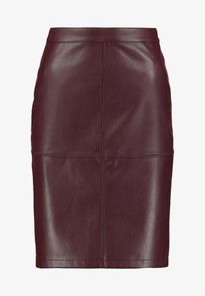 VIPEN - Pencil skirt - winetasting