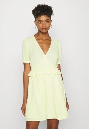 ENSYMPHONY DRESS - Korte jurk - light yellow
