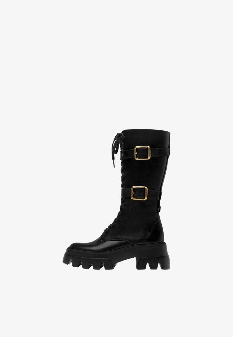 Uterqüe - Šněrovací vysoké boty - black