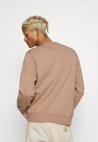 Nike Sportswear - CLUB CREW - Sweatshirt - desert dust - 2