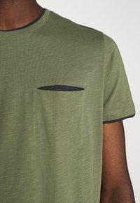 Esprit - T-shirt basique - khaki green - 6