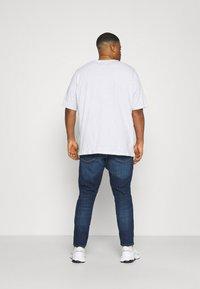 Tommy Jeans Plus - SCANTON SLIM - Slim fit jeans - canyon - 2