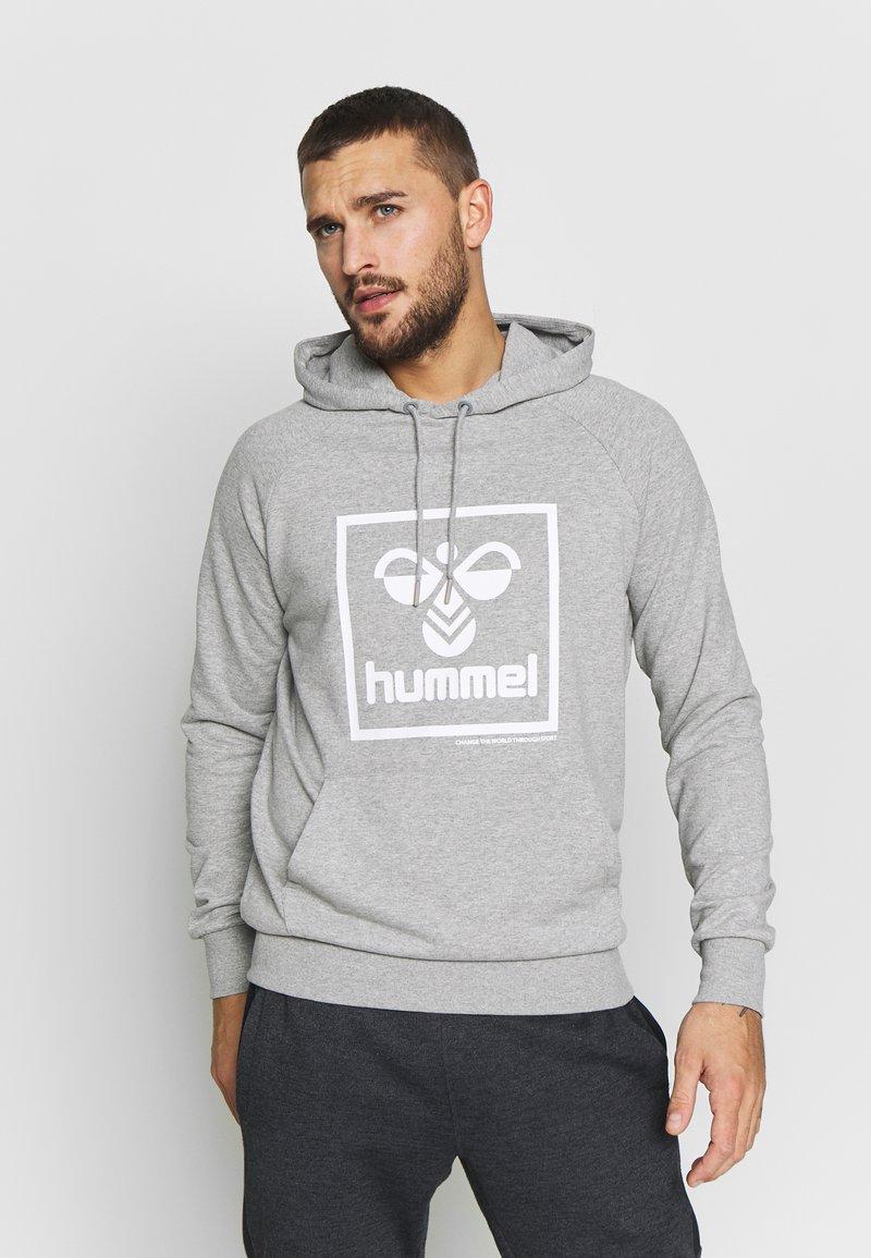 Hummel - HMLISAM HOODIE - Hættetrøjer - grey melange