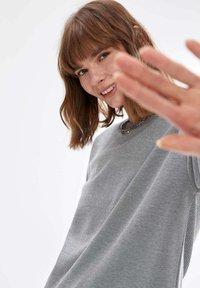 DeFacto - Maglietta a manica lunga - grey - 3
