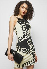 Just Cavalli - Žerzejové šaty - natural variant - 3