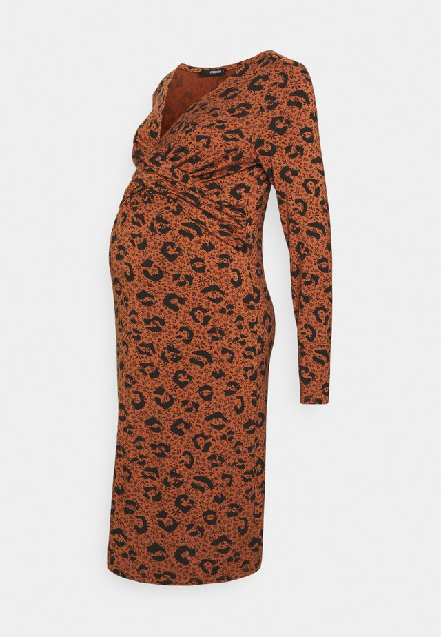 DRESS FANCY LEOPARD - Jerseyklänning - coconut shell