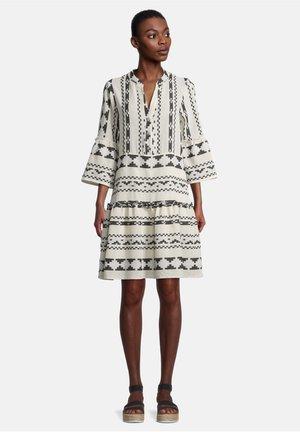Korte jurk - weiß/schwarz