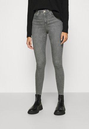 ONLPOWER PUSH UP  - Jeans Skinny - grey denim