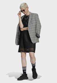 adidas Originals - Skjortklänning - black - 3
