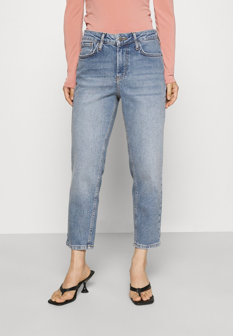 YAS Petite - YASZEO GIRLFRIEND - Relaxed fit jeans - light blue