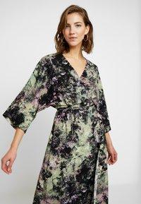 Monki - LOLLO DRESS - Denní šaty - multi-coloured - 4