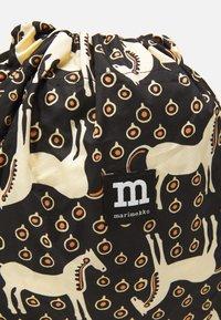 Marimekko - SMARTSACK MUSTA TAMMA BAG - Across body bag - black/beige/orange - 4