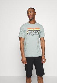 Fox Racing - FAR OUT TEE - T-Shirt print - eucalyptus - 0