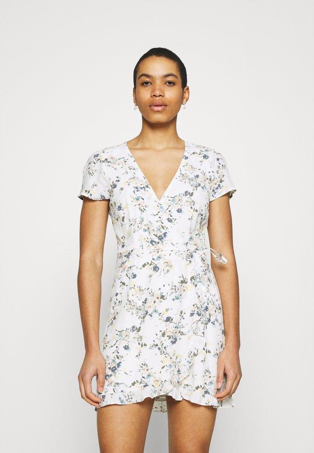 RUFFLE WRAP DRESS  - Robe d'été - white