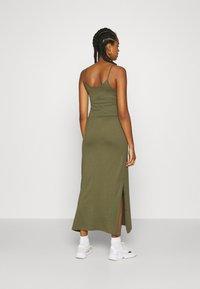 Even&Odd - Basic Strappy Maxikleid - Maxi dress - khaki - 2