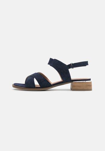 Sandals - ocean