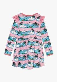 Småfolk - DRESS SWAN - Jersey dress - sea pink - 1