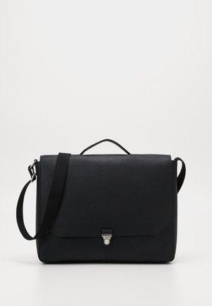 Attachetasker - black