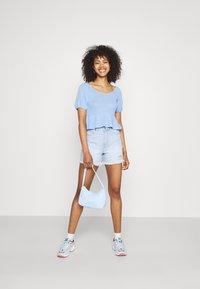 Pieces - PCTENZIN - T-shirt basic - vista blue - 1