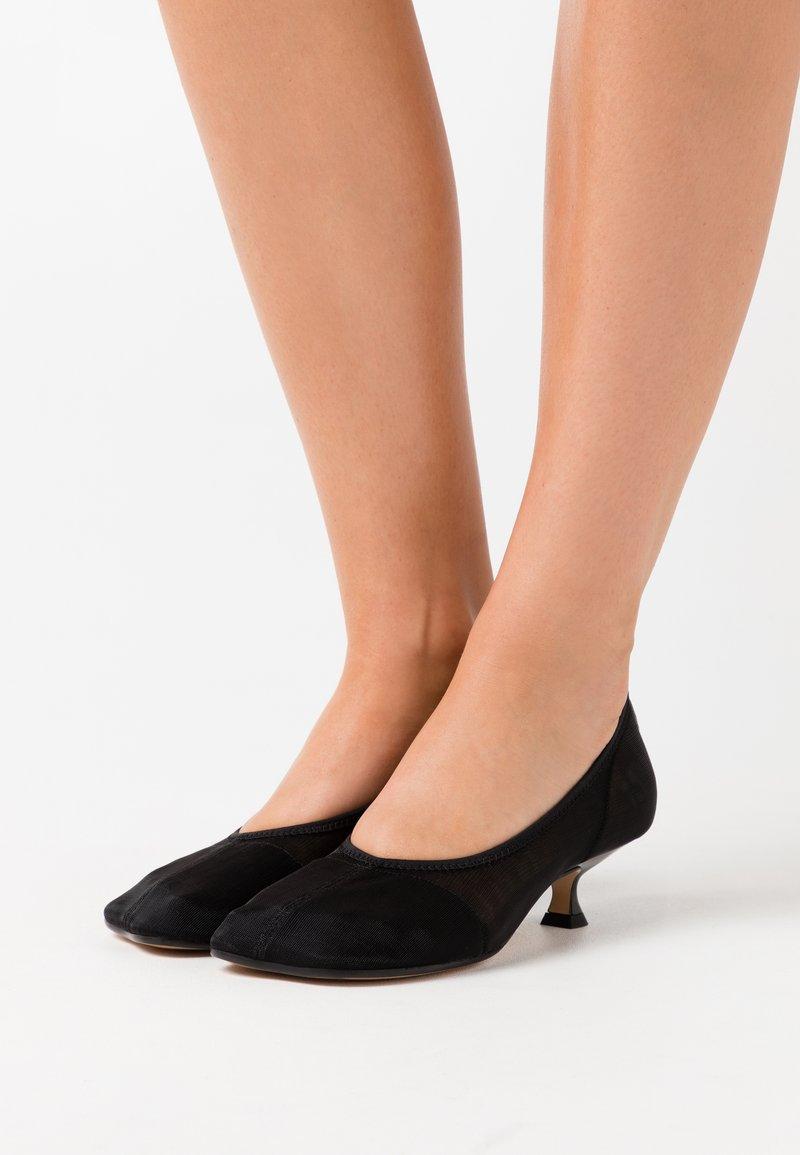 MM6 Maison Margiela - Classic heels - black