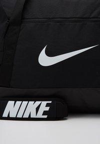 Nike Performance - TEAM DUFF - Torba sportowa - black/black/white - 3