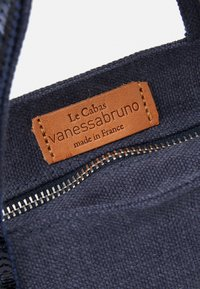 Vanessa Bruno - BABY CABAS - Across body bag - denim - 3