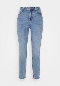 Pieces Petite - PCKESIA MOM - Slim fit jeans - light blue denim - 0