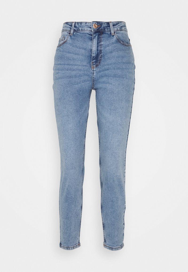 Pieces Petite - PCKESIA MOM - Slim fit jeans - light blue denim
