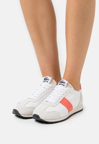 Lacoste - COURT PACE  - Trainers - offwhite/pink - 0
