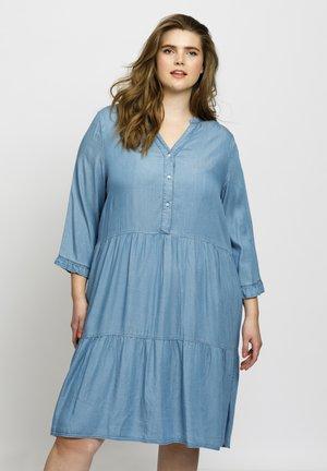 CLAIRE - Spijkerjurk - denim blue