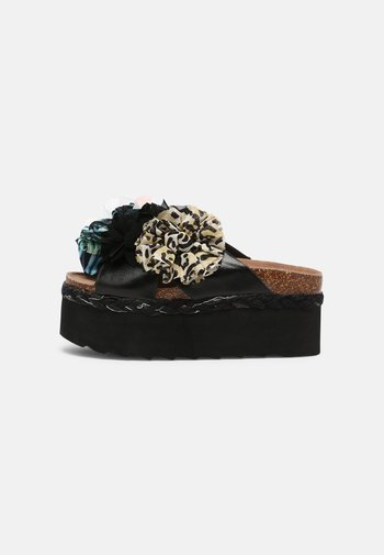 BES WITH FLOWER MIX - Heeled mules - black