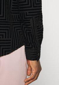 Twisted Tailor - HORLEY SHIRT - Camicia elegante - black - 4