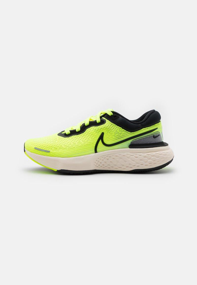 Nike Performance - ZOOMX INVINCIBLE RUN - Neutrale løbesko - volt/black/barely volt