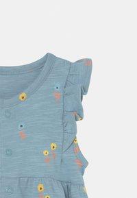 Marks & Spencer London - BABY FLORAL ROMPER 2 PACK - Overall / Jumpsuit /Buksedragter - light blue - 3