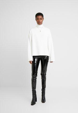 PIPER - Pantalones - black