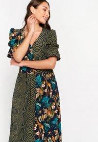 LolaLiza - AN LEMMENS - Maxi dress - khaki - 3