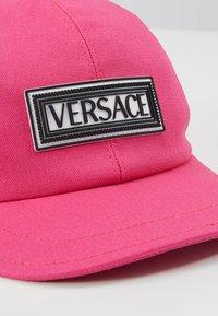 Versace - BERRETTO - Cap - fuxia - 2