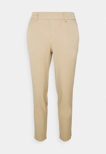 OBJLISA SLIM PANT - Kalhoty - beige