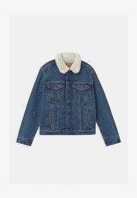 SHERPA TRUCKER - Veste en jean - blue denim