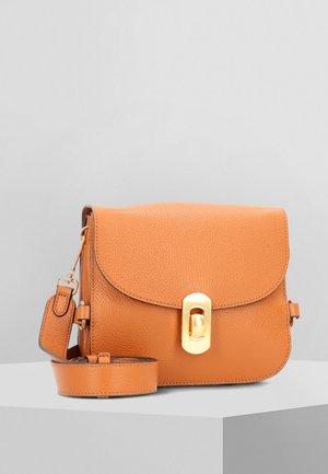 Across body bag - caramel