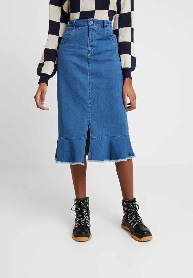 DEVELOPMENT- MIDI WASHED BLUESKIRT - Pencil skirt - mid blue