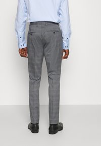 Selected Homme - SLHSLIM-NAS GREY CHECK SUIT - Oblek - grey/blue/white - 5