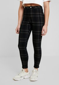 Missguided Petite - VICE CHECKED HIGHWAISTED  - Jeans Skinny Fit - black - 0
