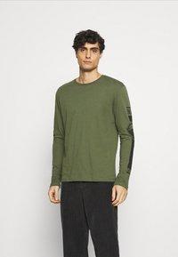 Pier One - Långärmad tröja - olive - 0
