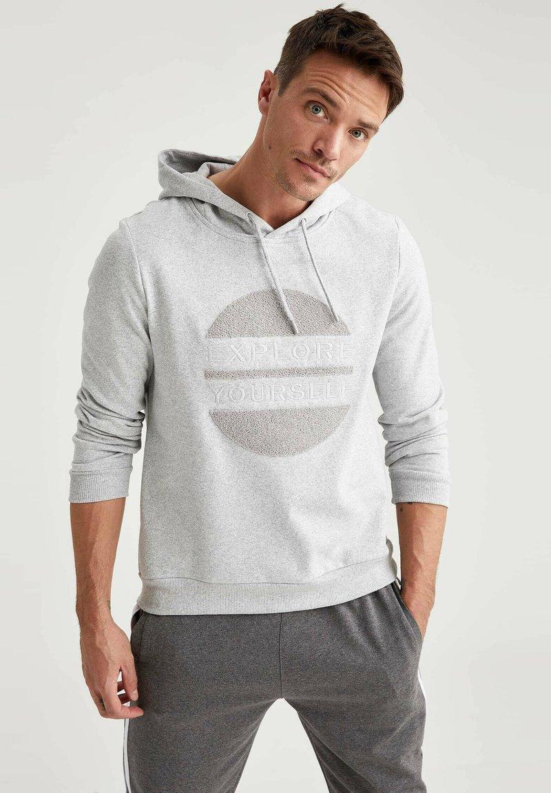 DeFacto - Felpa con cappuccio - grey